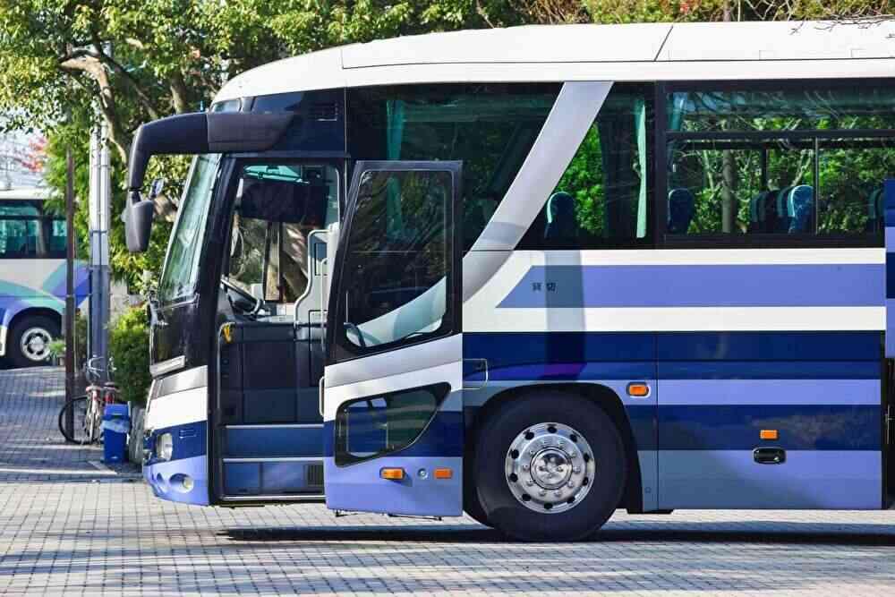 仏岩温泉鈴森の湯はバスで行ける?